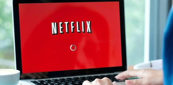 Netflix İndirme devam etmesi için ağ bağlantısı gerekiyor